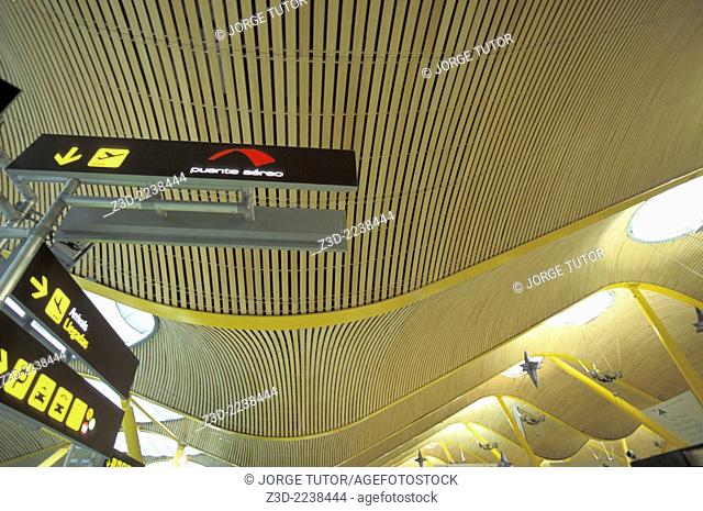 Puente aereo Madrid–Barcelona air shuttle service. Madrid Adolfo Suarez Barajas airport. T4. Terminal 4 designed by architects Antonio Lamela and Richard Rogers