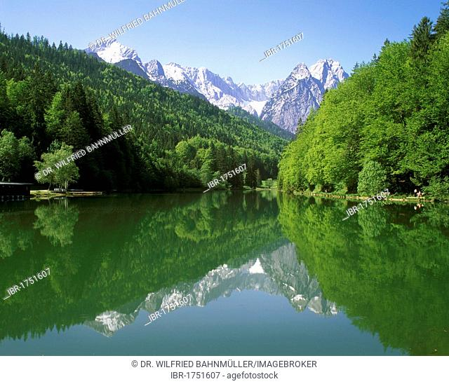 Lake Rissersee in front of Mt. Alpspitze and Mt. Waxenstein, Wettersteingebirge range, Upper Bavaria, Germany, Europe