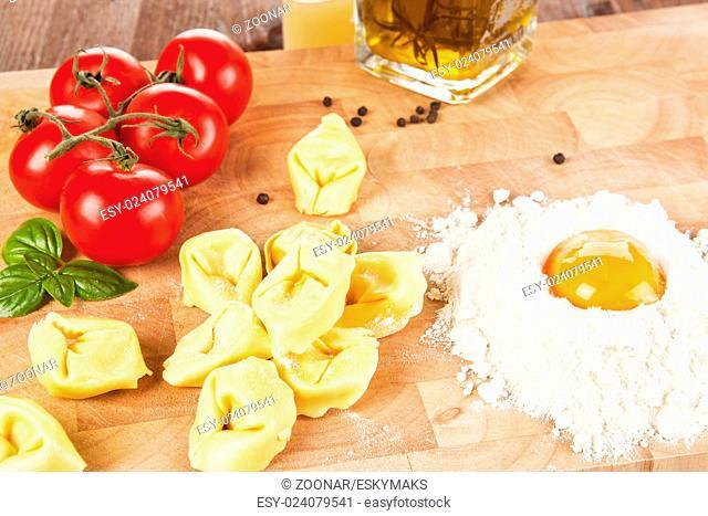 Making delicious tortellini