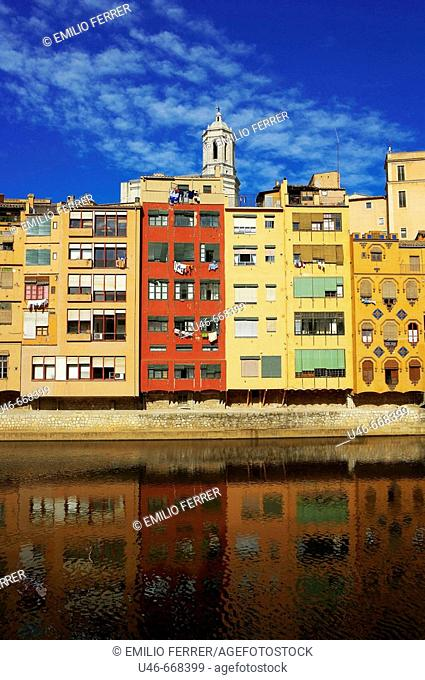 Cathedral and River Onyar. Girona, Spain