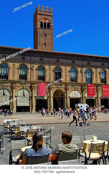 Palazzo del Podestà on Piazza Maggiore, Bologna, Emilia-Romagna, Italy