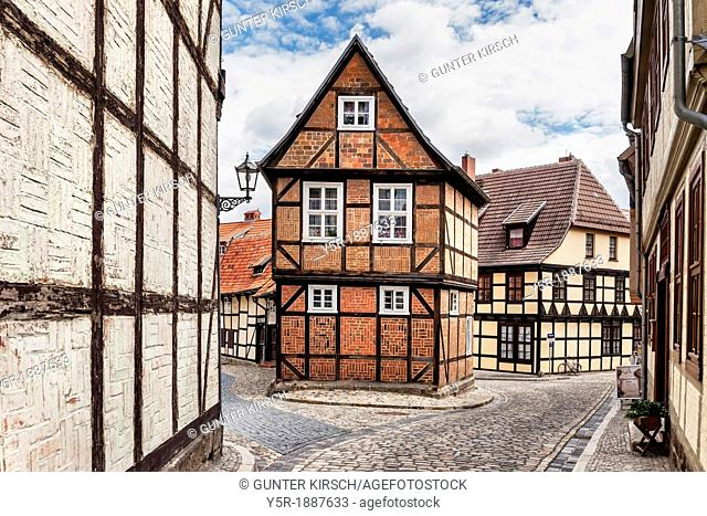 Half-timbered house Finkenherd 3, in the alley Finkenherd below the Schlossberg, Quedlinburg, Saxony-Anhalt, Germany, Europe