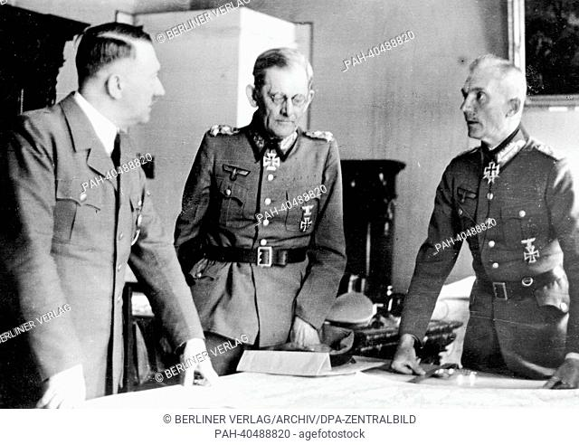 Adolf Hitler during a meeting with the Supreme commander of the Army Group South Field Marshal Fedor von Bock (r) and General Maximilian von Weichs