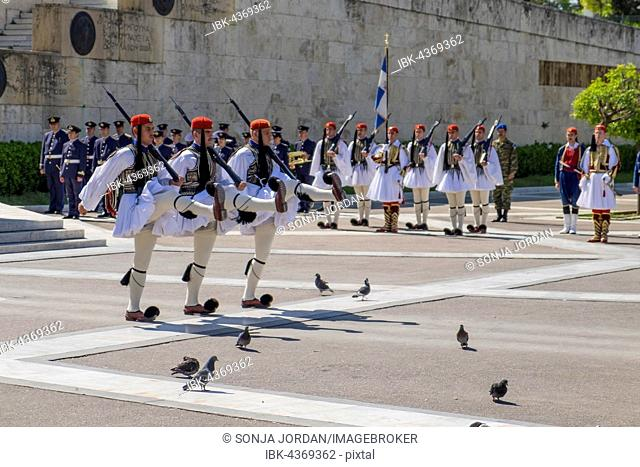Changing of the guards in front of Parliament, Evzones at the Tomb of the Unknown Soldier on Syntagma Square in Athens, Greece