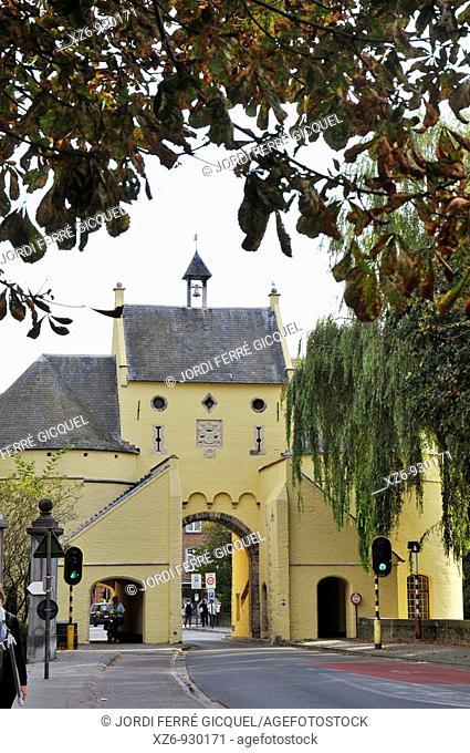 Smedenpoort Sint-Andries, Brugge  City Gate, Medieval town of Bruges, Belgium
