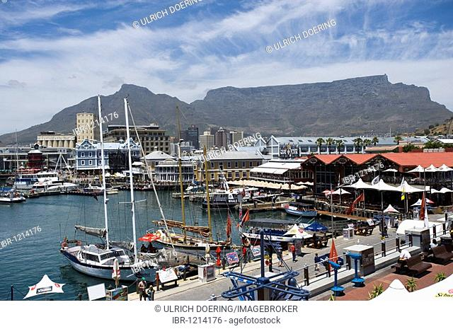 Victoria & Alfred Waterfront Kai und Table Mountain, Cape Town, South Africa, Africa