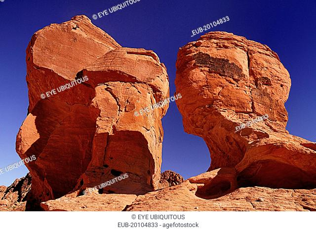 Face shaped rock formations