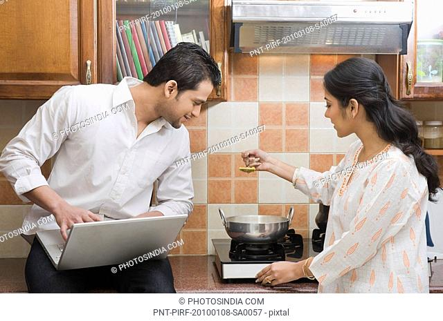 Indian Couple Cooking Stock Photos And Images Agefotostock