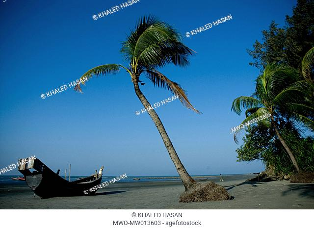 The Saint Martin's Island at Teknaf in Cox's Bazar It is the only coral island of Bangladesh and one of the famous tourist destinations of the country The local...