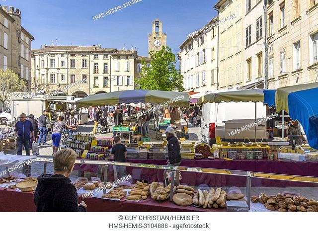 France, Gard, Bagnols sur Ceze, market day
