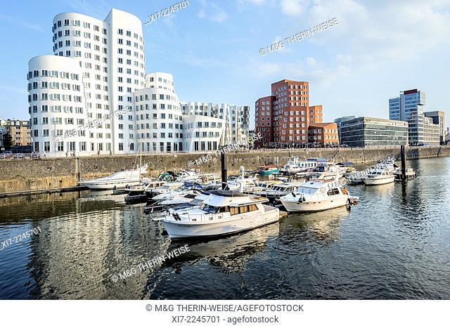 Modern Office buildings New Zollhof, Media Harbour, Düsseldorf, North Rhine Westphalia, Germany