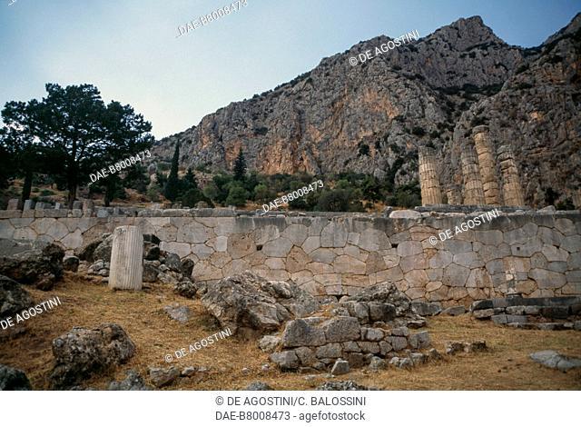 Temple of Apollo, Delphi (UNESCO World Heritage List, 1987), Phocis, Greece. Greek civilisation, 4th century BC