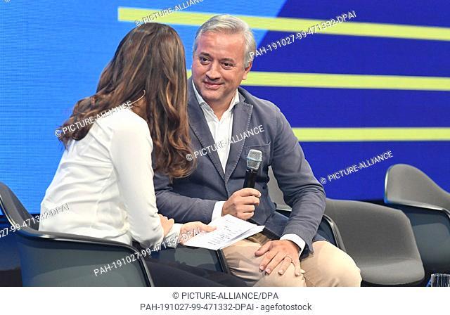 23 October 2019, Bavaria, Munich: Tanit Koch (l), journalist and present presenter, and Dominique Delport, Chairman of VICE MEDIA