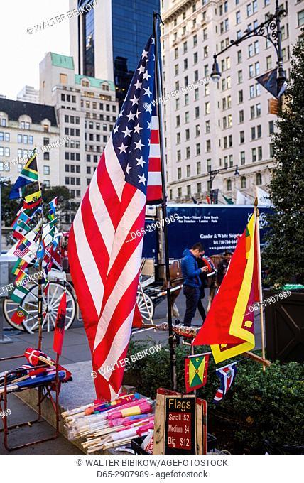 USA, New York, New York City, Mid-Town Manhattan, Fifth Avenue flags