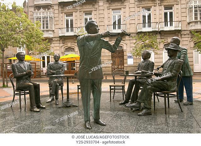 "Sculpture group """"La Tertulia"""" by Cesar Lombera, Pontevedra, Region of Galicia, Spain, Europe"