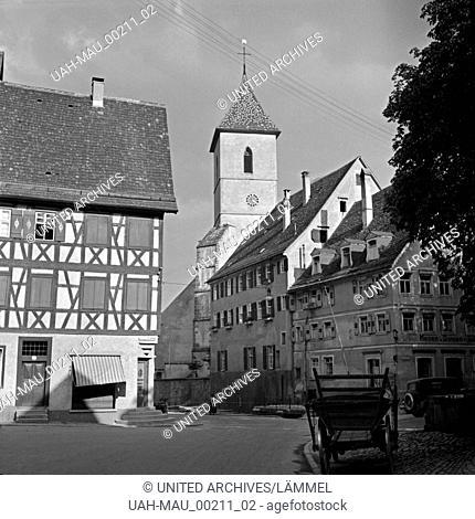 Blick auf die katholische Liebfrauenkirche oder auch Spitalkirche in Horb am Neckar, Deutschland 1930er Jahre. View to the church of Our Lady at Horb at river...