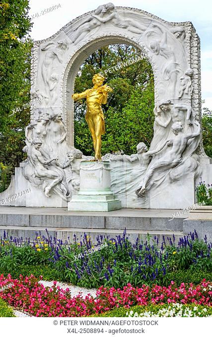 Monument to the composer Johann Strauss II, 1825-1899, Stadtpark municipal park, Vienna, Vienna State, Austria, Europe