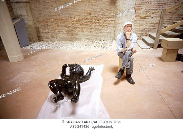 Robert Morris, American artist, 47th Venice Biennale, 1997
