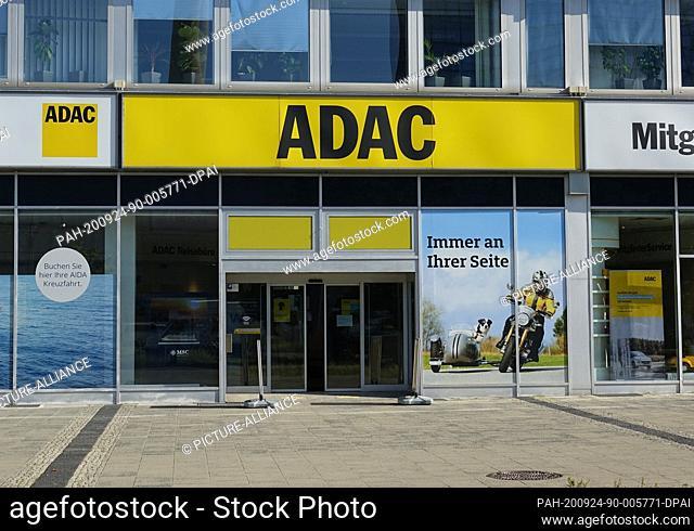 21 September 2020, Berli, Berlin: A branch of the ADAC (Allgemeiner Deutscher Automobil-Club) at Alexanderplatz. Photo: Alexandra Schuler/dpa
