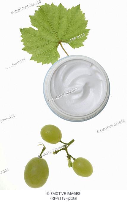 Grapes and cream