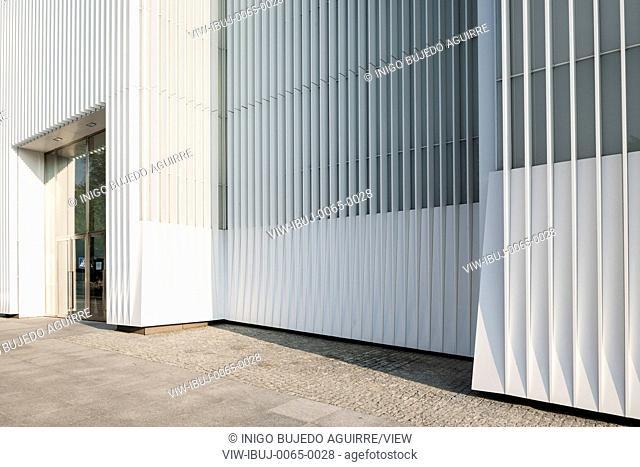 Facade detail at entrance. Szczecin Philharmonic Hall, Szczecin, Poland. Architect: Estudio Barozzi Veiga, 2014