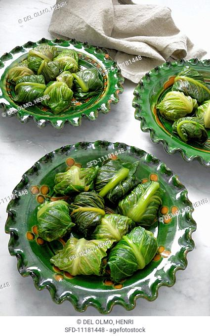Romaine lettuce parcels filled with minced meat and herbs