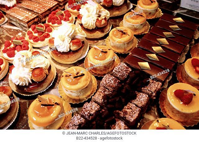 Ladurée. Parisian tea room serving macaroons, pastries, viennoiseries, etc... Rue Royale. Paris. France