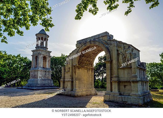 Europe. France. Bouches-du Rhone. Saint-Remy-de-Provence. Glanum. Roman historical site. Mausoleum and Triumphal Arch of the Roman Town of Glanum