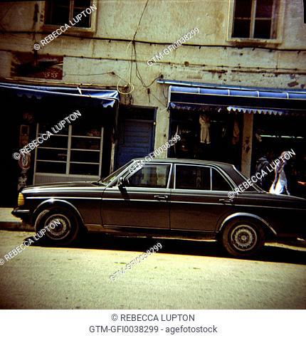 Old Mercedes Profile