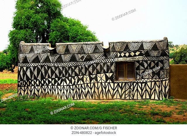 West African Traditional Rural House Stock Photos And Images Agefotostock