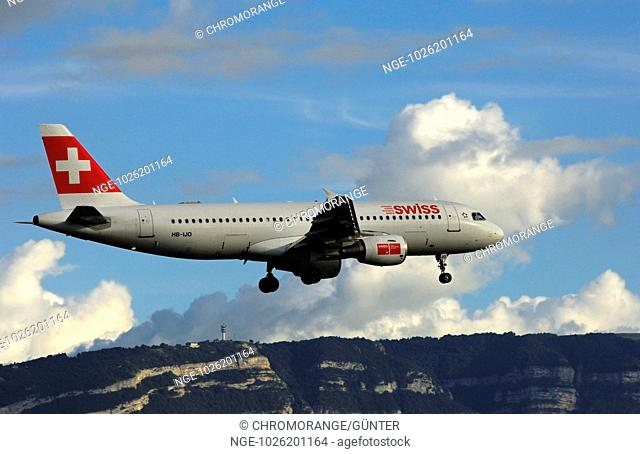 Airbus A320-214 of Swiss International Air Lines near Mt Saleve in France approaching the airport Geneva-Cointrin, Switzerland