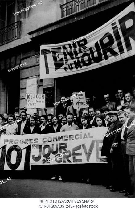 101th day of strike, Rue Beaubourg, in Paris. 1936 Many workers are going on strike since the rise to power of the Popular Front in France