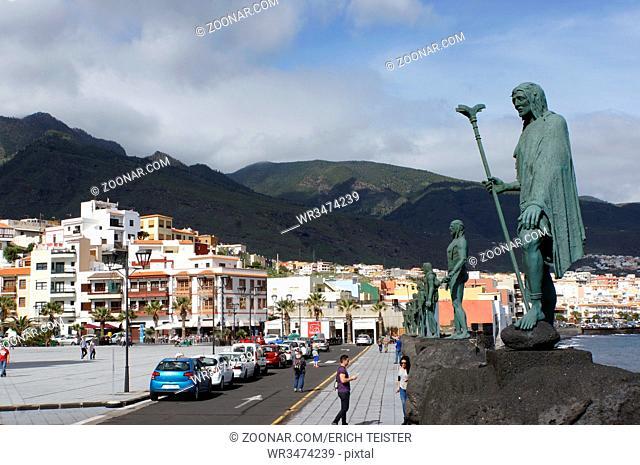 Mencey-Statuen der letzten Guanchen-Fürsten, Teneriffa, Kanarische Inseln, Spanien, Candelaria