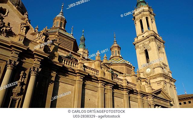 Basilica de El Pilar, the biggest church in the spanish city of Zaragoza, belonging to the Aragón Autonomous region, Spain, Europe