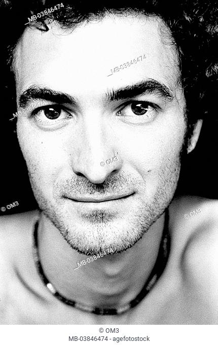 Climbers, Levente Pinter, portrait, s/w, broached, personality-rights, series, heed people, men's-portrait man young, smiles, gaze camera, necklace
