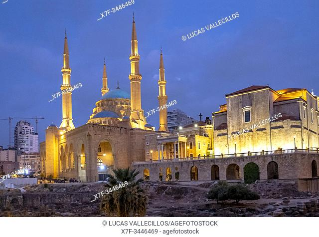 Roman forum, Mohammad Al-Amine Mosque and at right Saint Georges Maronite Cathedral, Beirut, Lebanon