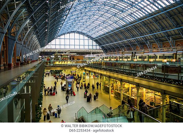 England, London, St. Pancras, interior of St. Pancras train station, terminal for the Eurostar train to France