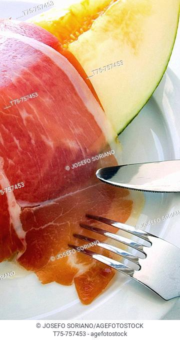 Melon with serrano ham