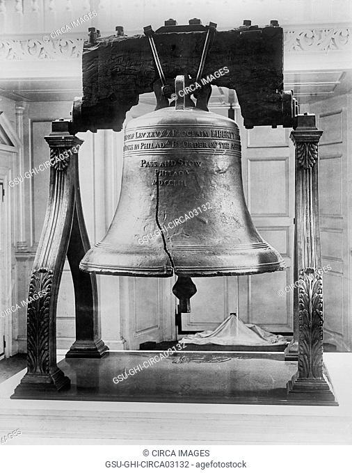 Liberty Bell, Independence Hall, Philadelphia, Pennsylvania, USA, Detroit Publishing Company, 1901