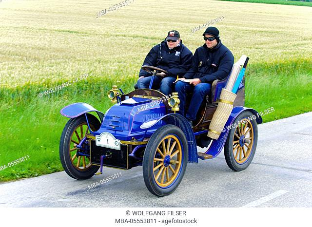 Old-timer rally 'Herkomer contention' in Landsberg in Lech for at least 80 year-old cars, here close Leon Buat, year of manufacture in 1903