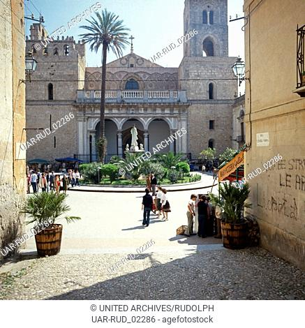 Die Kathedrale Santa Maria Nuova in Monreale, Sizilien, Italien 1970er Jahre. The Cathedral of Santa Maria Nuova in Monreale, Sicily, Italy 1970s