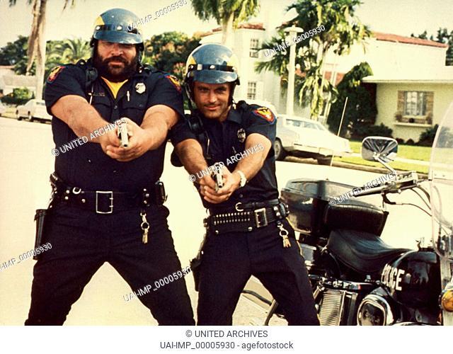 Zwei außer Rand und Band, (CRIME BUSTERS) IT 1976, Regie: E. B. Clucher, BUD SPENCER, TERENCE HILL, Stichwort: Polizei, Pistole, Motorrad