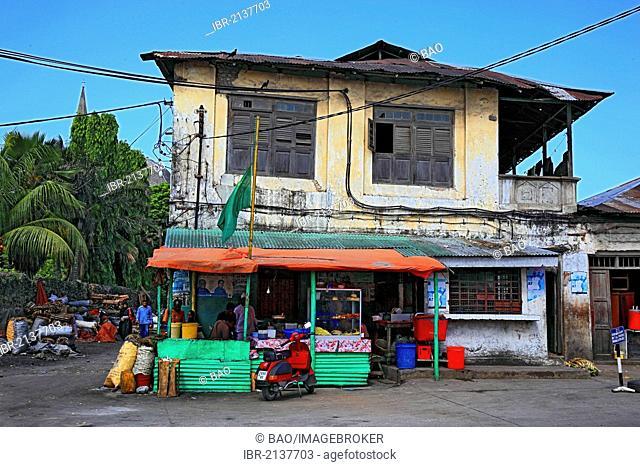 Street market in Stone Town, Zanzibar, Tanzania, Africa