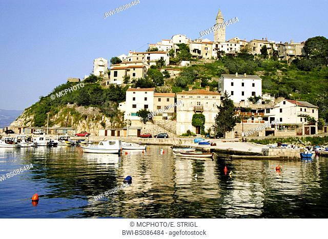 historic center and harbor of Vrbnik, Croatia, Insel Krk