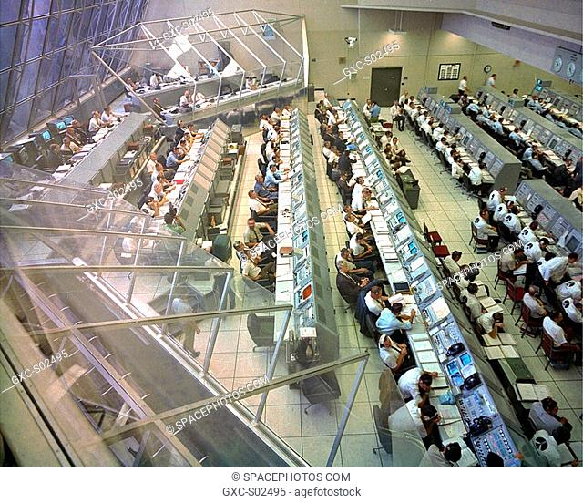 Overall view of the Firing Room 2 in the Launch Control Center during the Countdown Demonstration Test for the Apollo 12 mission