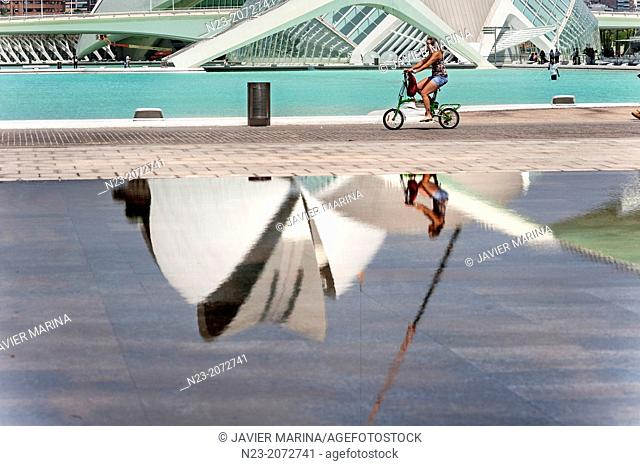 CYCLING; CITY ARTS AND SCIENCES, VALENCIA, SPAIN