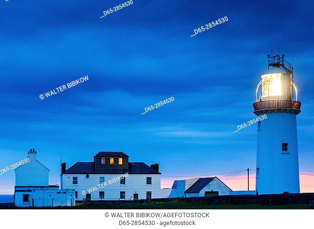 Ireland, County Clare, Loop Head, Kilbaha, Loop Head Lighthouse, dusk