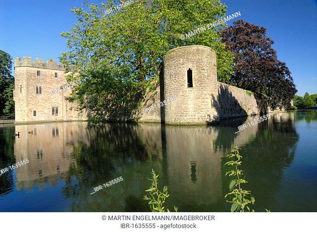 Bishops Palace, Wells, Somerset, England, United Kingdom, Europe