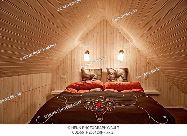 Chalet bedroom, Klaengsholl, Skidadalur, Dalvik, Iceland