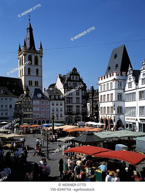 D-Trier, Mosel, Rheinland-Pfalz, Hauptmarkt, Kirche St. Gangolf, Festhaus Steipe, D-Trier, Moselle, Rhineland-Palatinate, market place, St